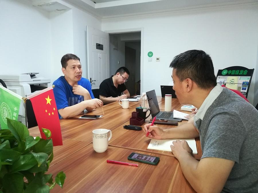 2周晉峰會見CCTV紀錄片組2.jpg